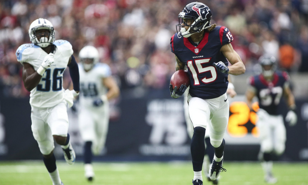 Oct 2, 2016; Houston, TX, USA; Houston Texans wide receiver Will Fuller (15) returns a punt for a touchdown during the third quarter against the Tennessee Titans at NRG Stadium. The Texans won 27-20. Mandatory Credit: Troy Taormina-USA TODAY Sports